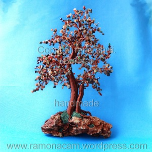 bonsai feng shui cu carnelian, citrin, aventurin rosu, chihlimbar, granat, labradorit, onix , pirita si jad african
